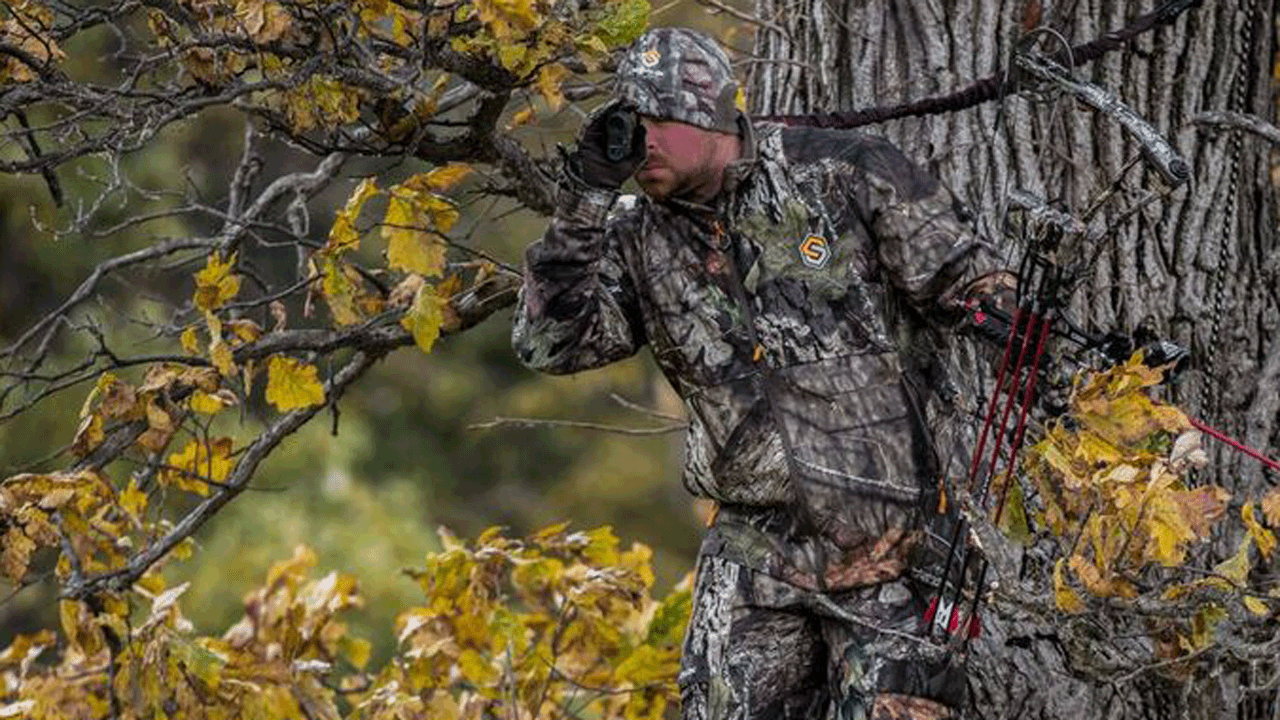 scentlok-hunter-in-treestand